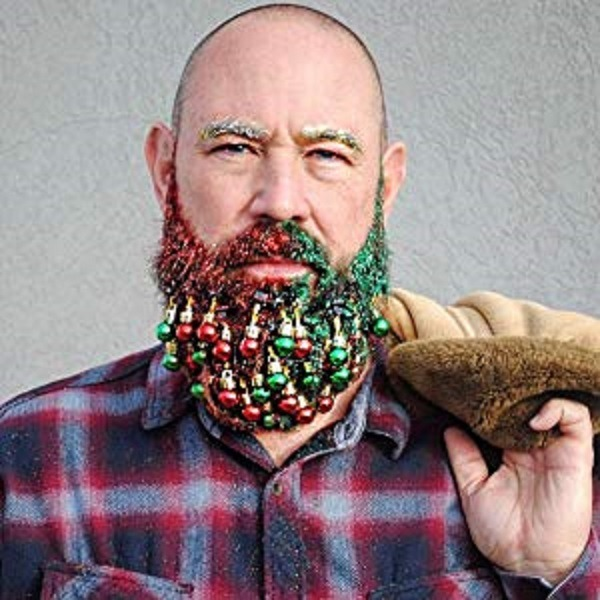 Colored beards with beard ornaments