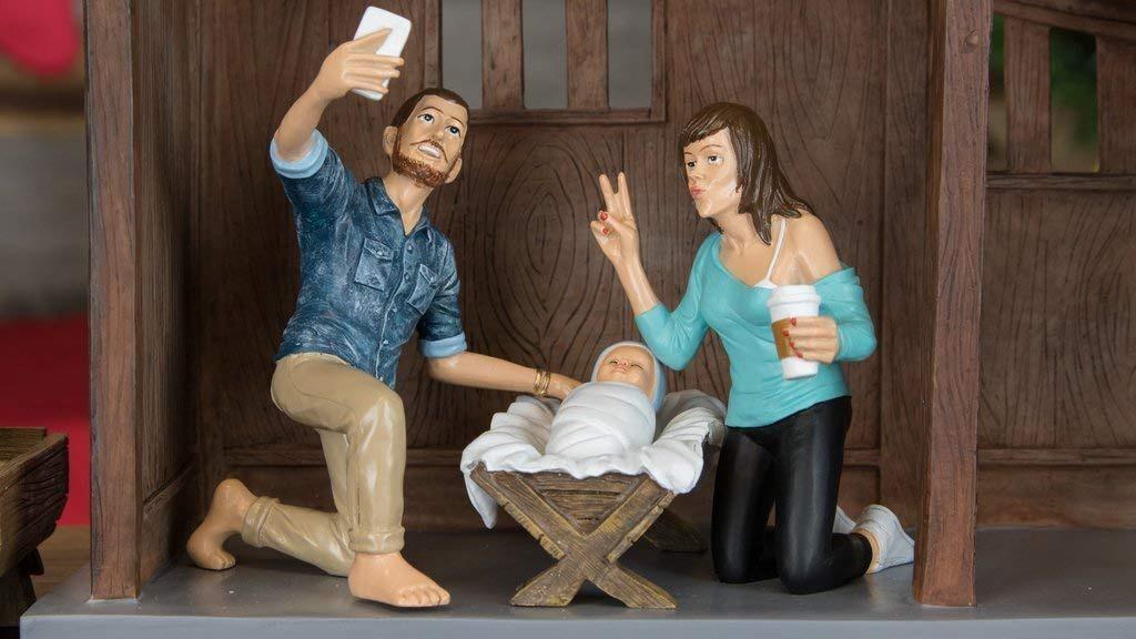 Hipster Nativity Set Selfie Full
