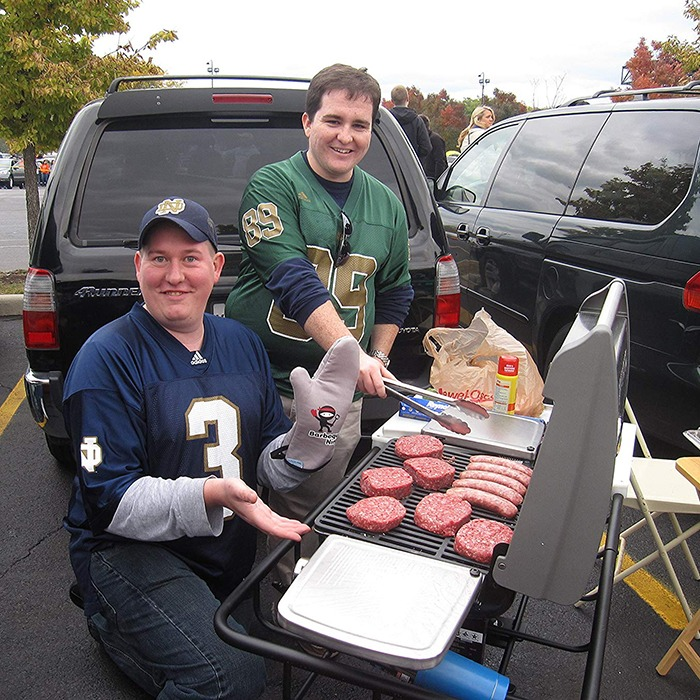 Hitch Mounted Tailgating Grill 7