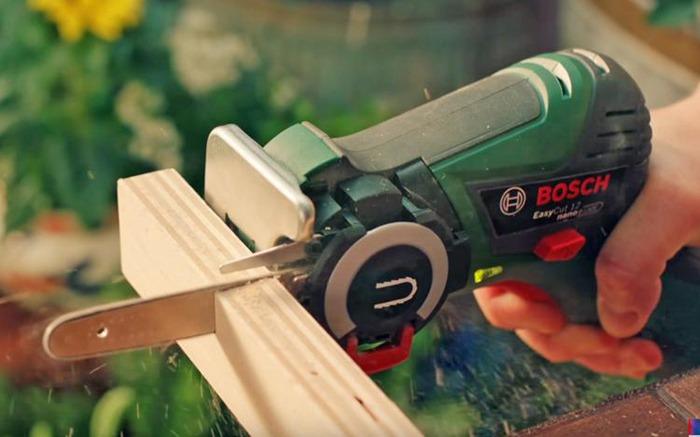 NanoBlade Mini Chainsaw Cutting Wood